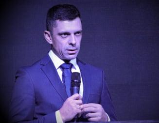 Ministrul Eduard Novak a facut accident cu masina langa Buzau. A fost prins intr-un carambol