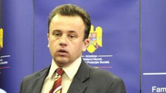 """Ministrul Educatiei: """"Plagiatul e facatura"""". Plangere penala anti-Funeriu"""