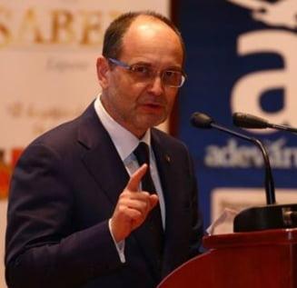 Ministrul Educatiei: Ajutorul dat de profesorii universitari detinutilor, o palma cumplita