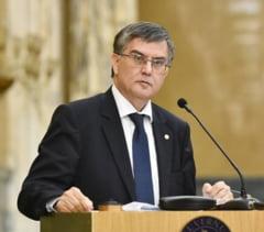 Ministrul Educatiei: Ghilimelele nu au fost inventate dupa ce si-au dat doctoratele Ponta, Oprea sau Toba