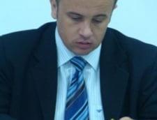 Ministrul Educatiei: Parintii vor putea vedea pe Internet ce fac copiii lor la scoala