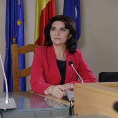 Ministrul Educatiei: Se vor achizitiona 74.000 de laptopuri prin Banca Mondiala si alte 200.000 de echipamente cu fonduri europene