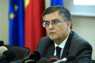 Ministrul Educatiei: Temele ar trebui facute la scoala, nu acasa!
