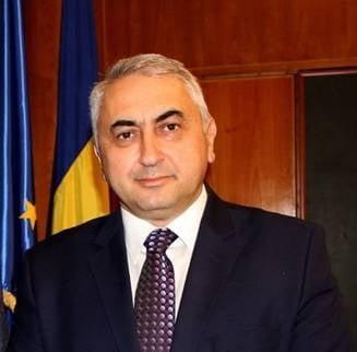 """Ministrul Educatiei, in razboi deschis cu Universitatea Bucuresti, care il acuzase de """"triumful mediocritatii"""". Nu spune nimic despre criticile venite de la Babes-Bolyai si Universitatea de Vest"""
