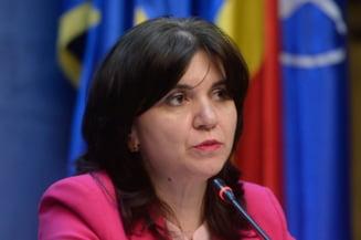 Ministrul Educatiei anunta ca scolile raman inchise pana dupa Paste