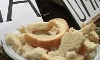 "Ministrul Ferrari, ""tratat"" cu paine uscata si coji de cartofi, la Iasi"