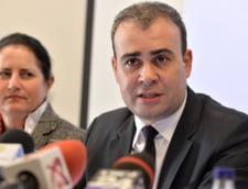 Ministrul Finantelor Darius Valcov, urmarit penal pentru spaga de 2 milioane de euro
