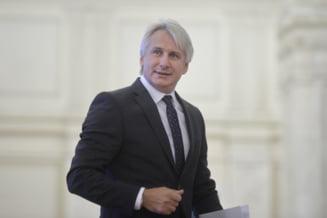 Ministrul Finantelor confirma ca salariul minim nu va creste de la 1 noiembrie: Decizia se va lua in urmatoarele zile