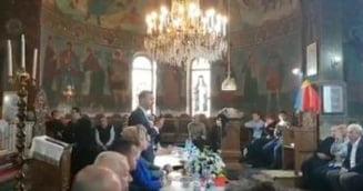 Ministrul Gavrilescu, dar si politicieni din Opozitie au facut propaganda pro-referendum intr-o biserica din Prahova, cu spatele la altar (Video)