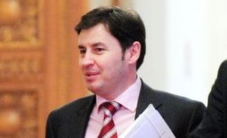 Ministrul Igas a dat Bac-ul la 24 de ani