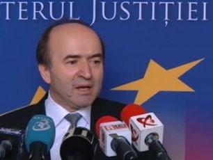 Ministrul Justitiei ia in considerare sa sesizeze Inspectia Judiciara pentru ca procurorul general nu a dat Parlamentului dosarul alegerilor