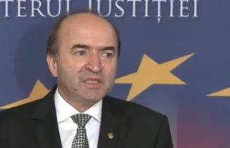 Ministrul Justitiei ii raspunde lui Iohannis: Eram obligat prin lege sa prezint in Parlament Legile Justitiei