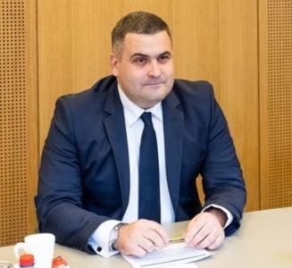 Ministrul Les nu e convins de ilegalitatile privind corvetele: Am citit doar cat sa fiu informat cat de cat, las pe seama Parchetului