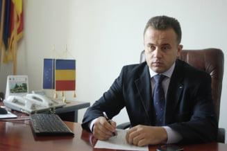 Ministrul Liviu Pop, replica la atacul lui Basescu: Cel mai destept cedeaza