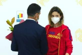 """Ministrul Novak, prima reacție după """"înțepăturile"""" spadasinei Ana Maria Popescu: """"E o medalie foarte scumpă"""""""