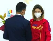 "Ministrul Novak si-a cerut scuze fata de Ana Maria Popescu: ""A reactionat in felul ei, nu conteaza"". Sportiva l-a lasat cu mana intinsa la aeroport"