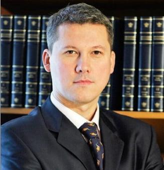 Ministrul Predoiu, somat de ONG-uri sa-l mentina pe Daniel Morar la sefia DNA