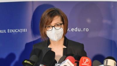 """Ministrul Sănătății, Ioana Mihăilă: """"Eu, ca om, mi-am vaccinat copilul care avea indicaţie de vaccinare"""""""