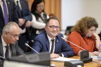 Ministrul Sportului a facut o gafa in Parlament, care denota ca nu stie cu cine a lucrat la buget: Cine este doamna? (Video)