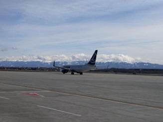Ministrul Transporturilor anunta ca TAROM va anula mai multe curse: Unele avioane zburau cu 10 pasageri la bord