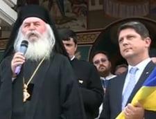 Ministrul de Externe a primit un drapel tricolor la manastirea Izvorul Muresului