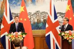 """Ministrul de Externe britanic a facut o gafa """"conjugala"""" in China"""