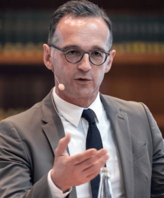 Ministrul de Externe german vrea dezarmare nucleara, dar se opune retragerii armelor nucleare americane din tara sa