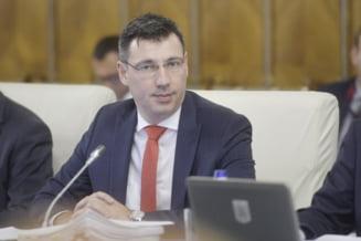 Ministrul de Finante a fost chemat in Parlament sa dea socoteala pentru Split TVA