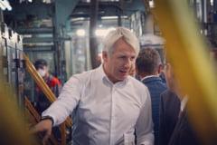 Ministrul de Finante vrea bolnavi angajati la Casa de Sanatate: Sa aiba pacientii sperante de viata