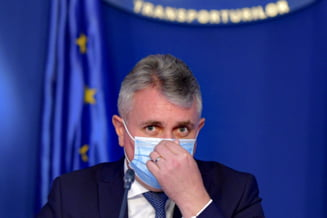 """Ministrul de Interne, despre protestul cu fumigene de la Cotroceni: """"Nu face cinste celor care se vor reprezentantii politistilor"""""""