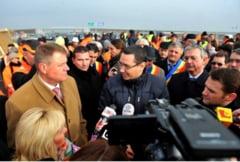 Minunea episcopului Durcovici! Ponta, Iohannis, Basescu si 25.000 pelerini, la Iasi