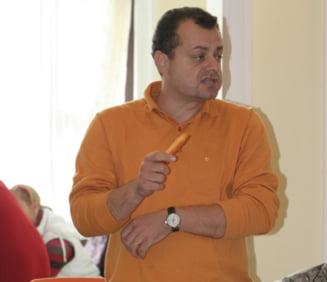 Mircea Banias (PD-L): Radu Mazare e un bufon, PSD - o toapa a politicii