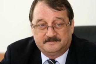 Mircea Basescu, arestat pentru ca voia sa vanda libertatea ca o marfa