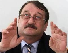 Mircea Basescu, fratele presedintelui, afla daca ramane dupa gratii