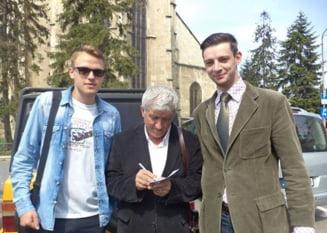 Mircea Diaconu, in campanie electorala: Acum nu muncesc, ci ma plimb
