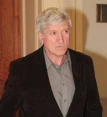 Mircea Diaconu strange semnaturi pentru europarlamentare la Teatrul Nottara