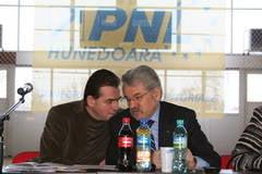 Mircea Molot, ales noul presedinte al PNL Hunedoara. Mircia Muntean va contesta alegerile