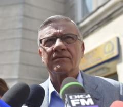 Mircea Sandu ridiculizeaza un oficial FRF: Imi e prieten vechi, dar e pervers