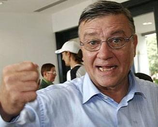 Mircea Sandu sare la gatul arbitrilor