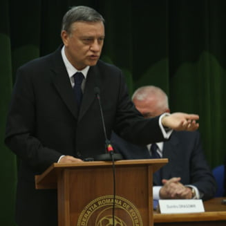 Mircea Sandu vorbeste despre demiterea lui Lucescu