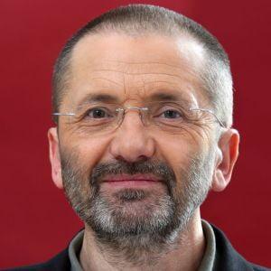 Mircea Toma, despre flacara violet: E grav ca un demnitar sa gandeasca asemenea tampenii