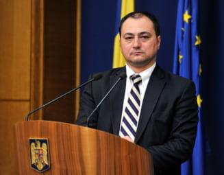 Mirel Palada, trimis in judecata pentru ca l-a batut la TV pe senatorul Mihai Gotiu