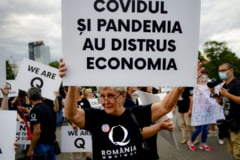 "Miscarea QAnon, declarata de FBI ""potentiala amenintare terorista interna"", a ajuns si in Romania. Membrii gruparii au participat la un protest in Piata Victoriei"