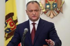 Miscarea periculoasa a lui Igor Dodon: vrea sa-i ia din subordine Maiei Sandu serviciile secrete pe motiv ca noul presedinte al Republicii Moldova are si cetatenie romana