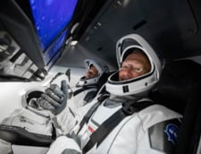 Misiunea istorica a NASA si SpaceX s-a incheiat cu succes. Crew Dragon a readus cu bine astronautii pe Terra