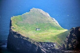 Misterul celei mai izolate case din lume. Legendele care s-au iscat in jurul cabanei singuratice FOTO