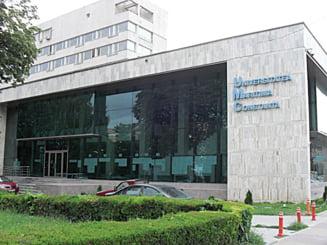 Mita la Universitatea Maritima din Constanta: 11 studenti si un profesor, retinuti