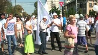 Miting pro-Basescu: Discursuri despre comunisti si excluderea Romaniei din UE (Video)