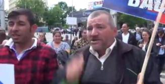 Mitingul PSD din Iasi: Un oras blocat si zeci de mii de oameni adusi pentru ca Dragnea sa faca o baie de multime. In urma, o mare de gunoaie (Video)