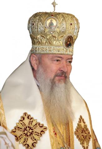 Mitropolitul Clujului spune ca Maica Domnului plange din cauza divorturilor din Romania